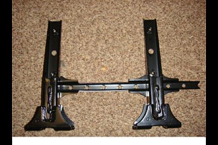 Основание пластиковой подножки (правое) оригинальное для квадроциклов Yamaha Grizzly 700 550 3B4-27462-00-00 3B4-27452-00-00
