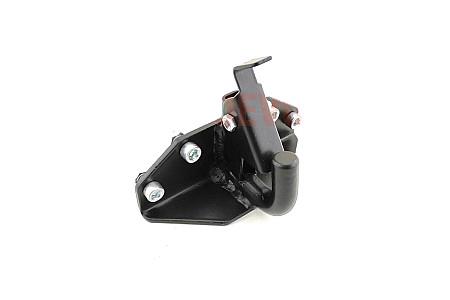 Буксирный крюк для бампера под фаркоп VOEVODA
